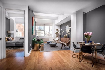 Etonnant Convertible Two Bedroom With Massive Living Room In Tribeca No Fee