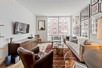 Greatest Studio On The Market In Midtown East !!!